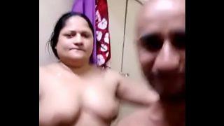 Madarchod aunty ka nanga dance
