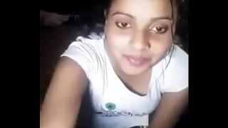 Dehati ladki ne webcam par chut aur boobs dikhaye