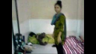 Jawan desi girl ko colleague ne choda