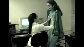 2 Indian girls ka office me lesbian sex video