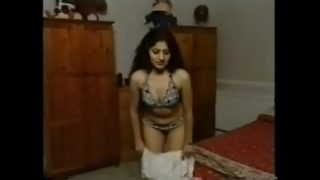 Desi girl Mitali ka nude striptease