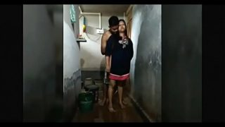 Bengali bhabhi ki bathroom sex clip