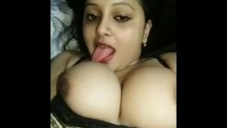 Desi bhabhi ka boobs licking