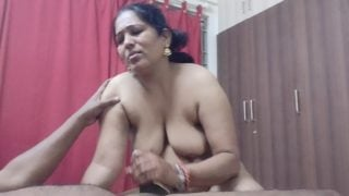 Office ki south Indian aunty ko lund chusaya