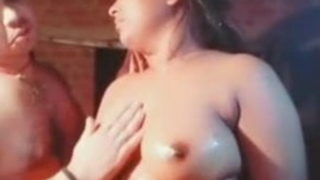 Wife ko nanga kar ke uske boobs dabaye