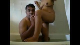 Randi ki chudai ki bathtub me
