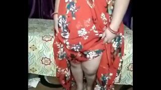 Busty desi aunty ka sexy webcam show