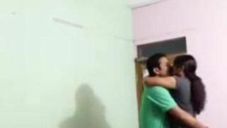 Office ki bhabhi ka desi sex scandal video