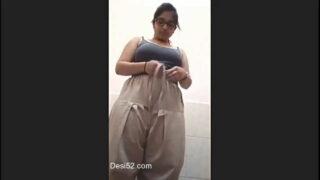 Punjabi bhabhi ka sexy bathroom video